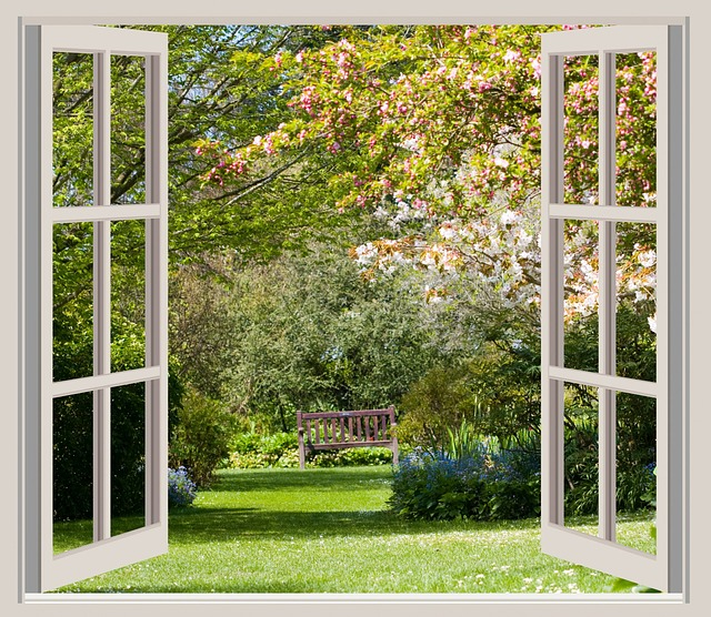 okno na zahradu