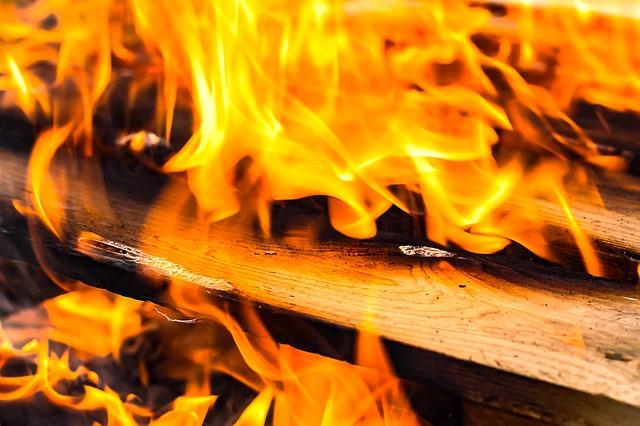 hořící prkna.jpg