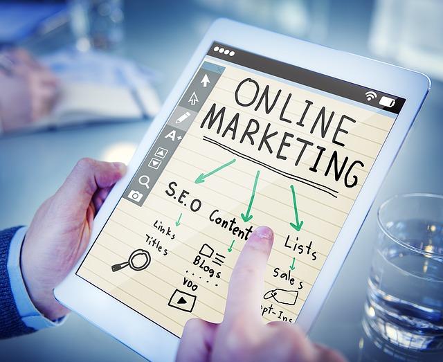 prohlížení online marketingu